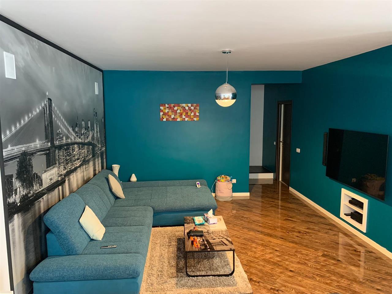 Casa 190 mp,4 camere,3 bai, mobilata/utilata la cheie