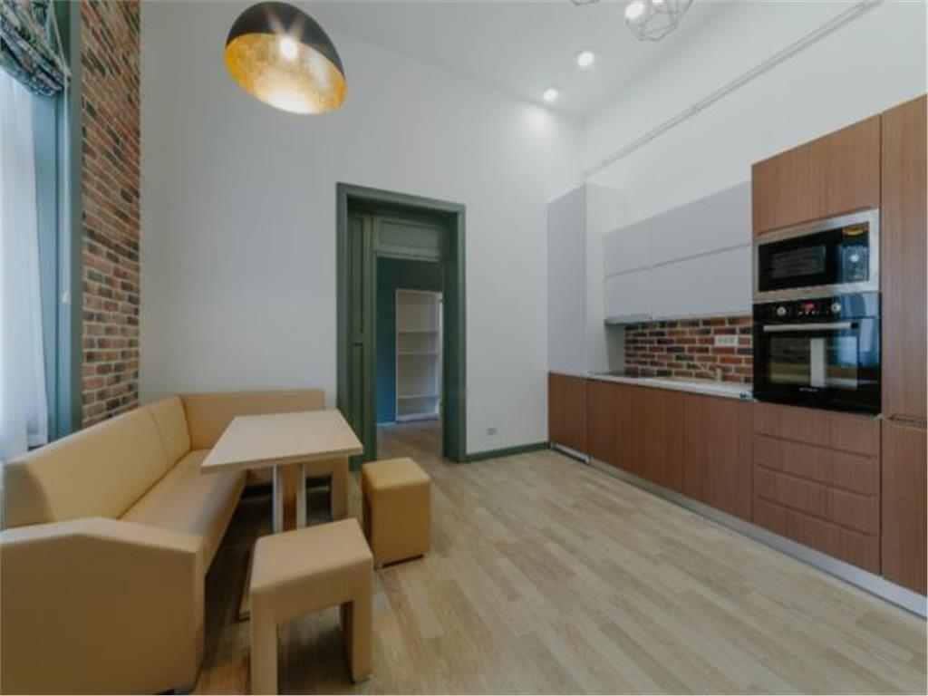 2 dormitoare, Ultracentral,superfinisat,prima inchiriere,65 mp