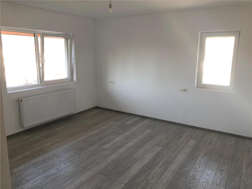 Apartament 2 camere, decomandat, etaj 2/3, finisat la cheie