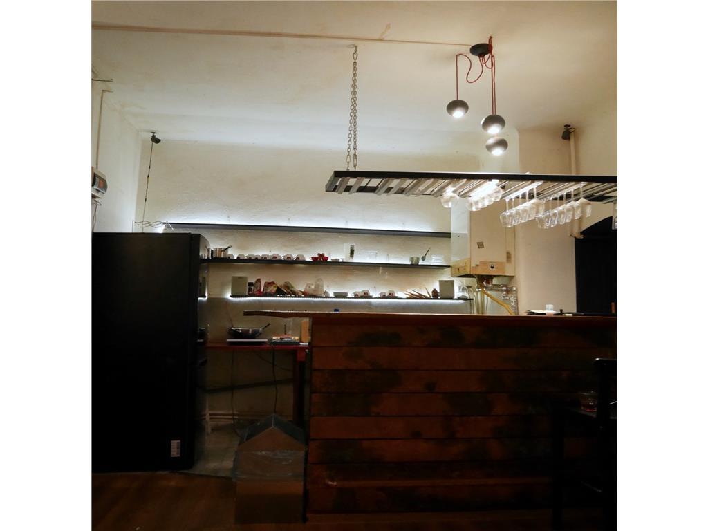 Bar de vanzare ,Centrul Vechi,  60, subsol , curte interioara