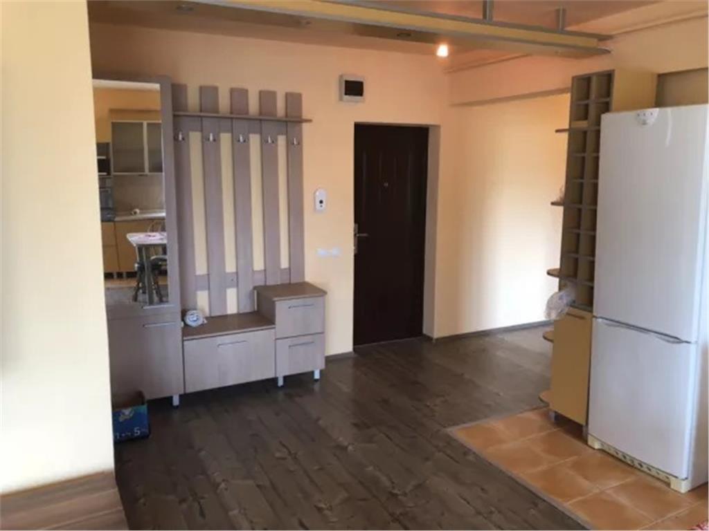 Apartament 3 camere, 80mp, Floresti, 2 parcari, superfinisat