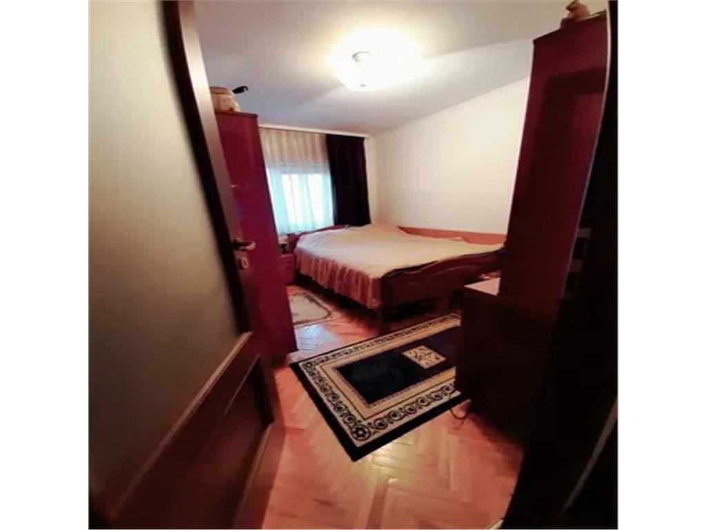 Apartament 3 camere, Gherla, zona Parcul Mare, garaj