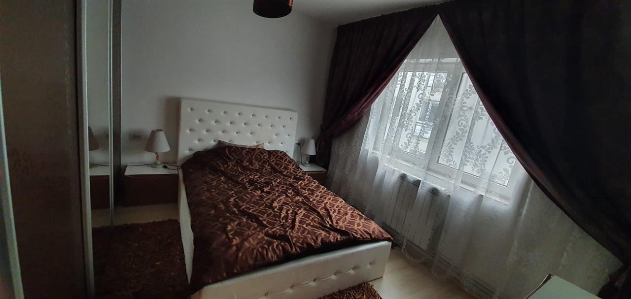 3 camere, decomandat , 70 mp, zona Calea Moldovei ,