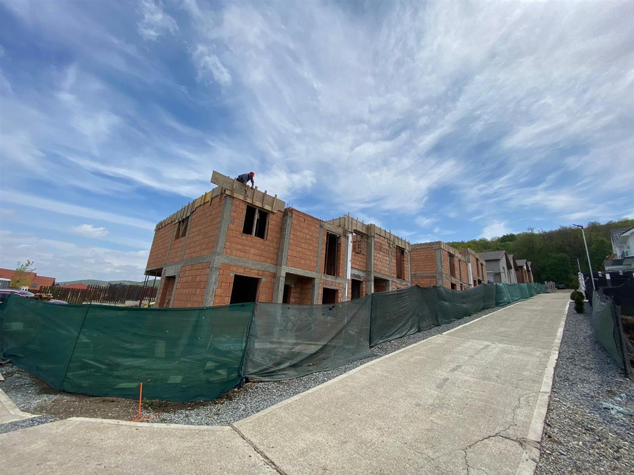 Duplex Dezmir,120 mp,terasa,str.Planoarelor,acces asfaltat,Comision 0