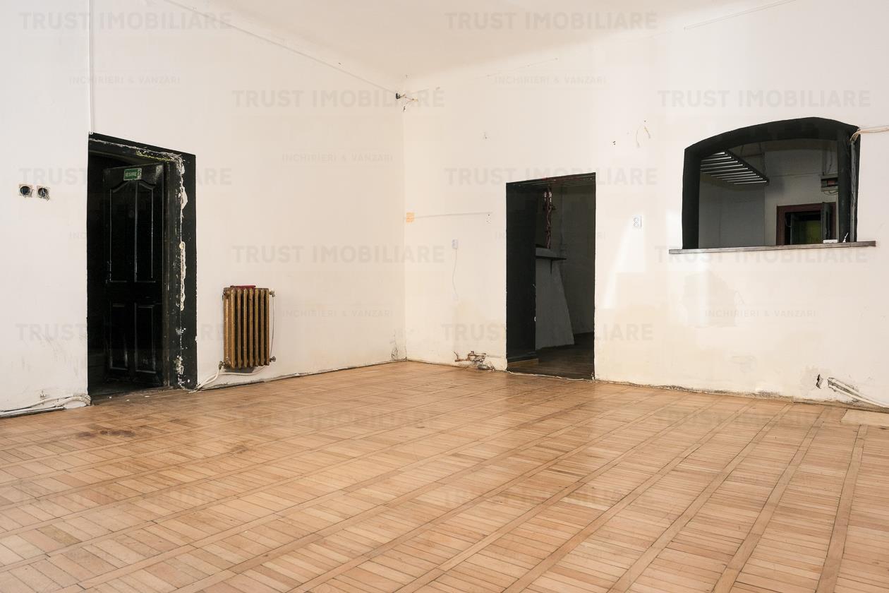 Casa , Ultracentral, 70 mp, bar/bistro/locuita,CENTRU
