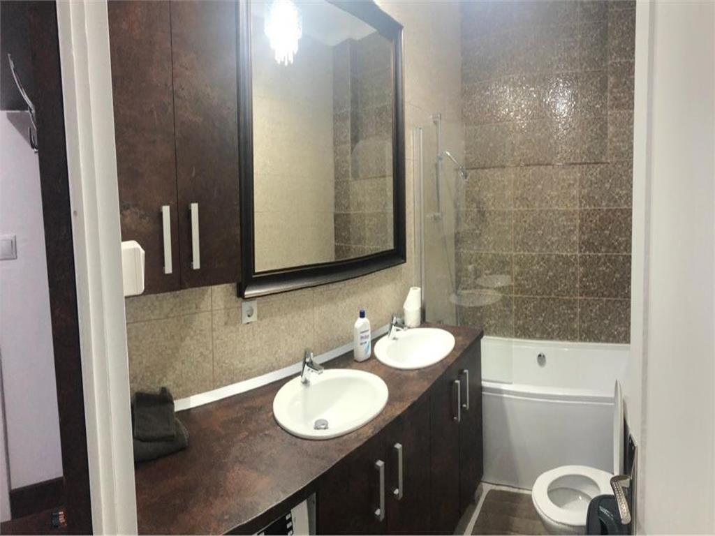 Apartament 3 camere in CASA,Central