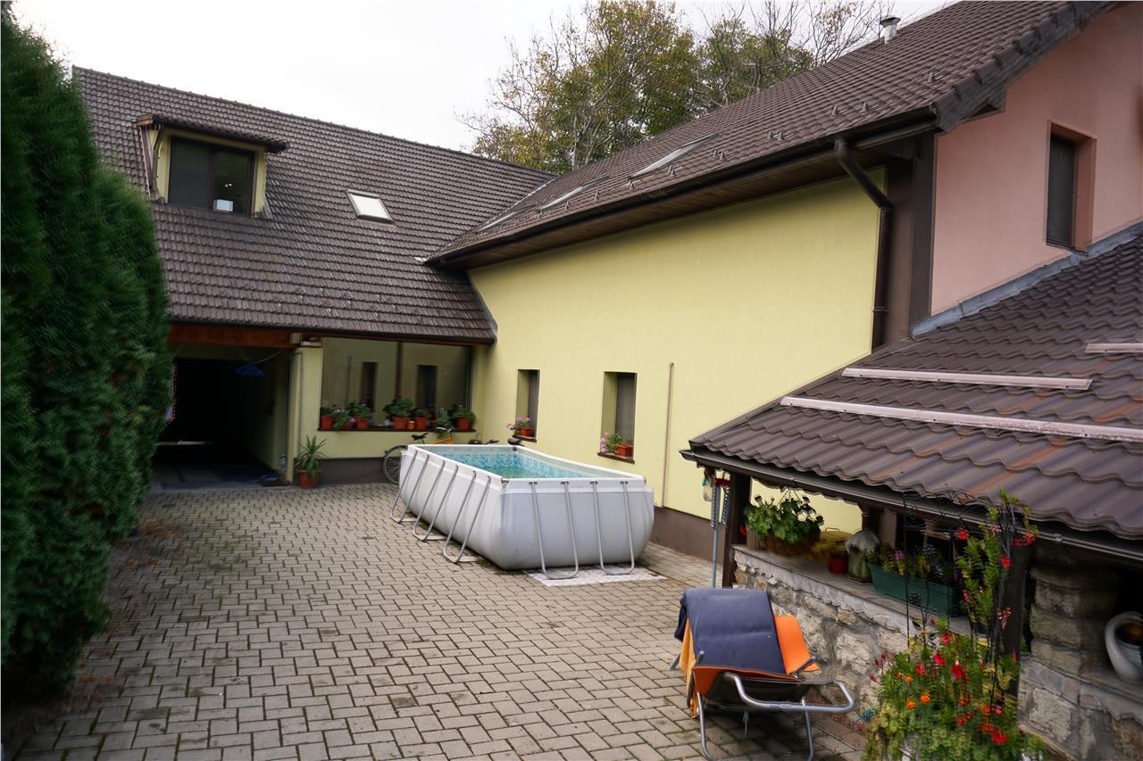 Casa pozitie centrala, suprafata utila 240mp, gradina 700mp
