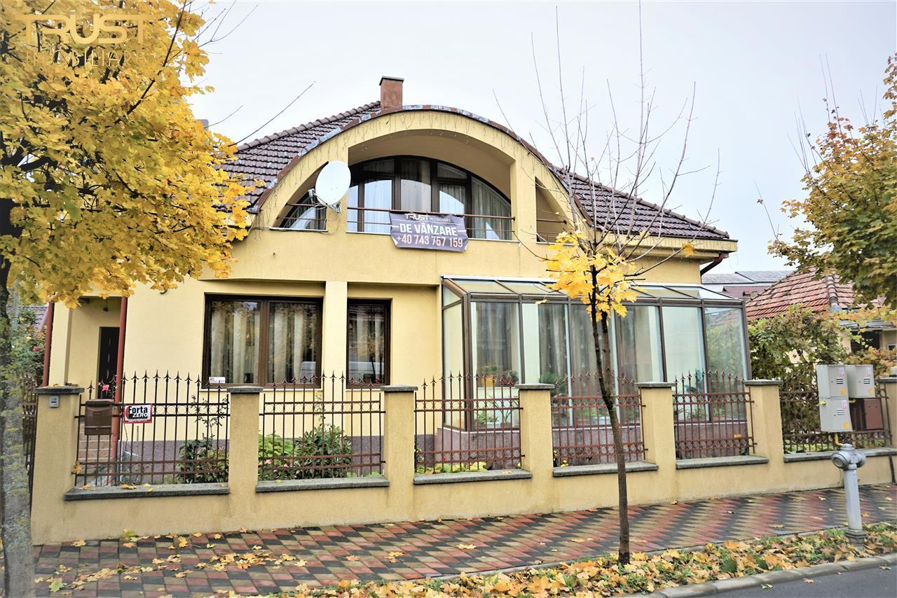 Vila ultracentral, lux
