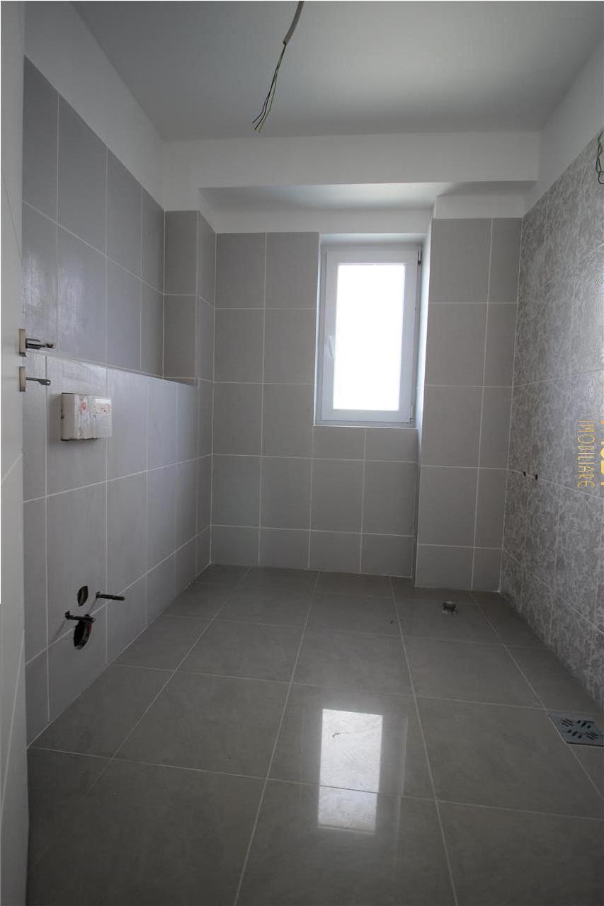 Apartament 2 camere, 53mp, finisat, nemobilat, Calea Turzii, garaj