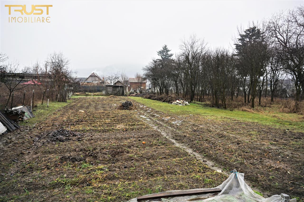 Casa si 15,5 arii teren de vanzare cartier Unirea