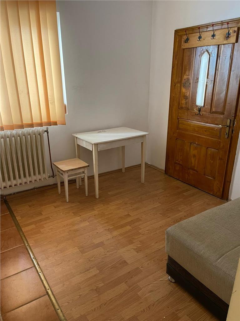 Casa 80 MP,3  Camere, Pretabil BIROU, curte