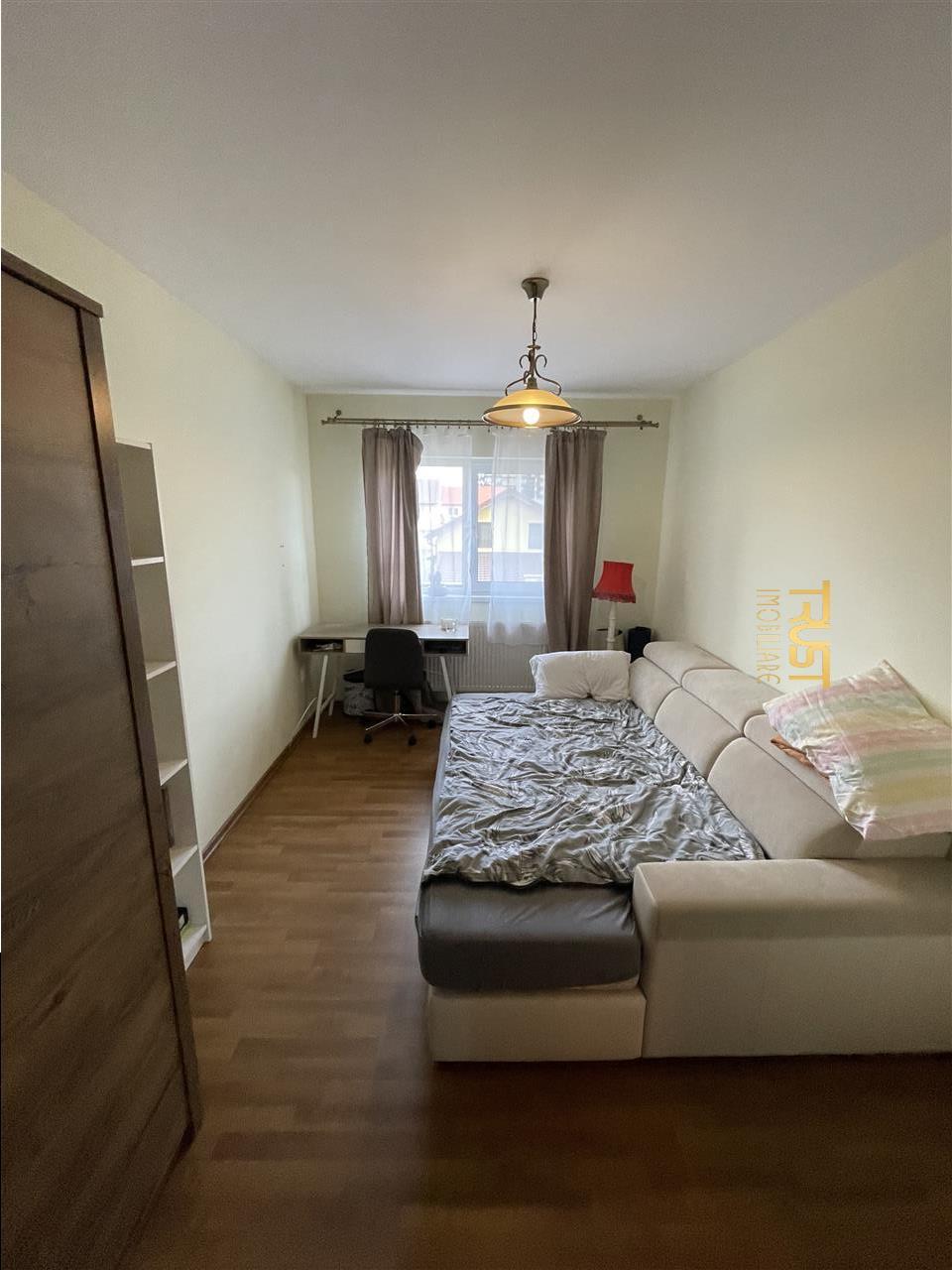 Apartament 3 camere, zona Soporului, parcare