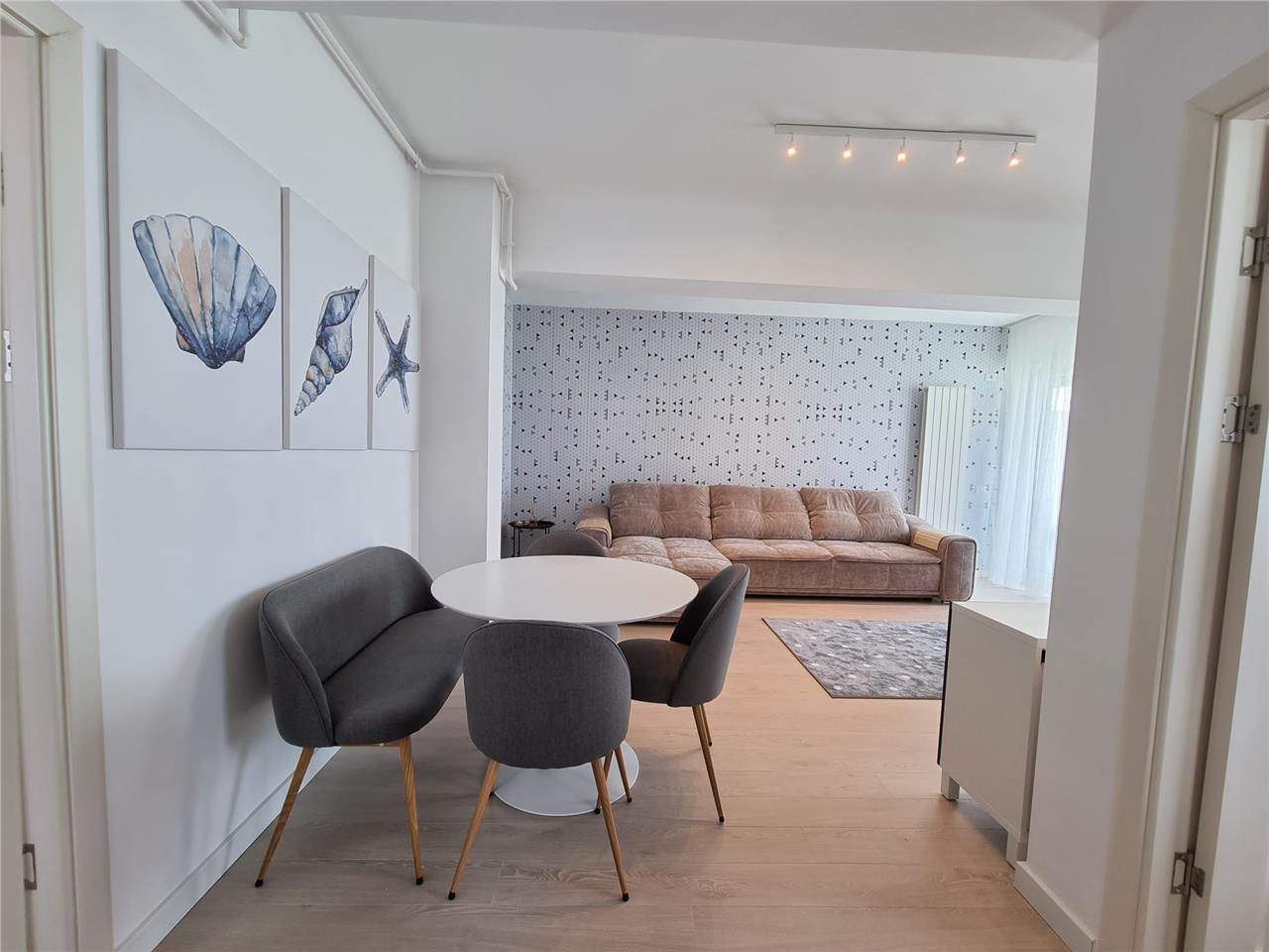 Apartament 3 camere, Vedere catre Lac si Mare