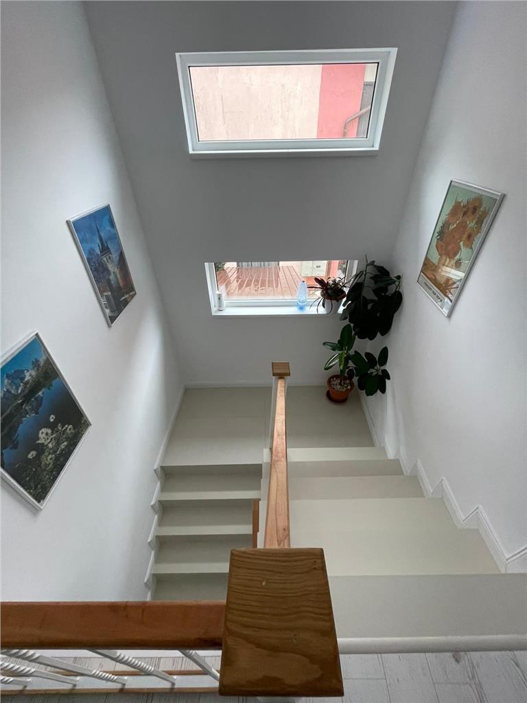 Duplex 120mp, 75mp curte, 3 parcari, Str. Subcetate