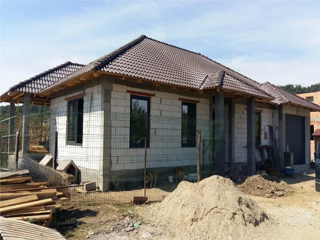 Casa regim P, 170 mp utili, 600 mp de teren, zona Unirea, semifinisata