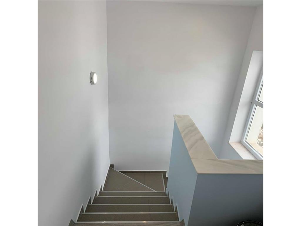 Apartament 2 camere,finisat,cu CF,Zona str.Tauti,tip vila,terasa