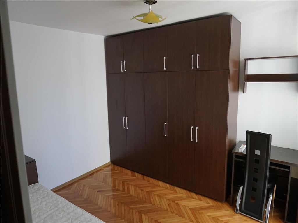 3 camere,Manastur,Str.Vidraru, decomandat.mobilat/utilat,parcare
