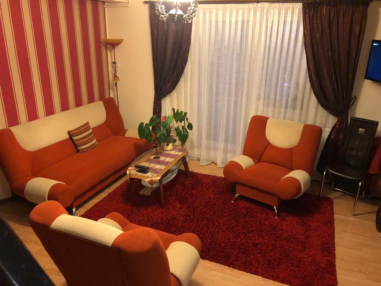 Apartament 3 camere, 74 mp utili, decomandat, zona Calea Moldovei