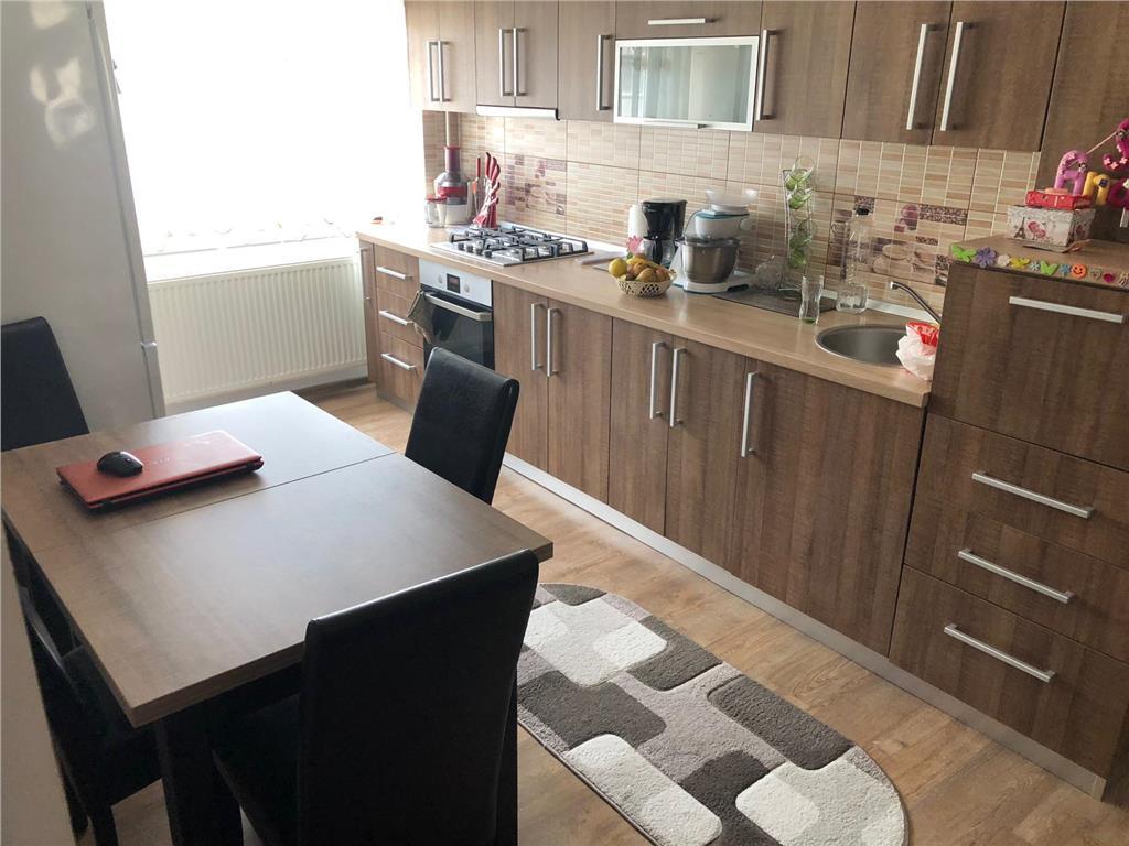 Apartament 2 camere, 50 mp, decomandat, mobilat/utilat