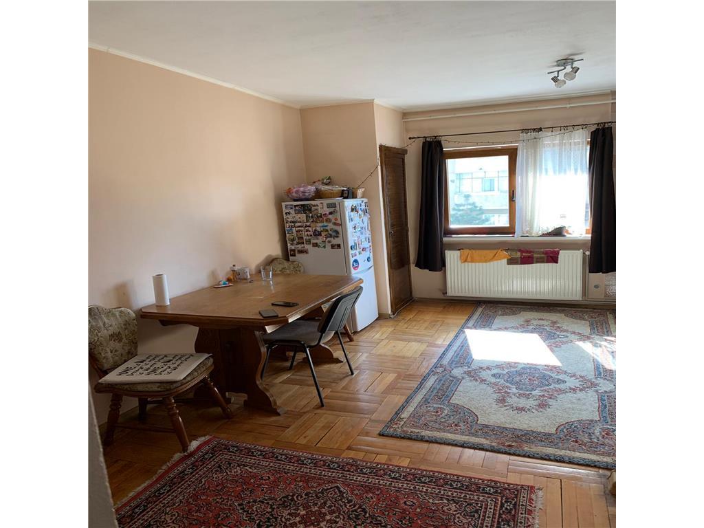 Apartament Plopilor ,3 camere ,decomandat, 75 mp ,2 bai .mobilat