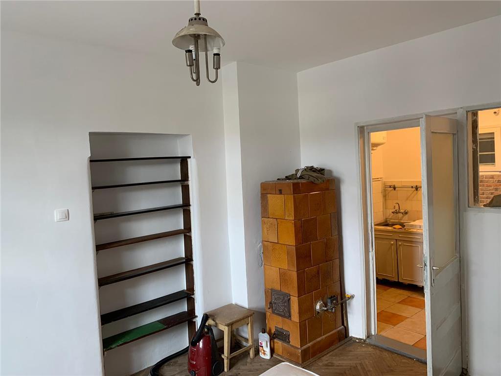 Apartament str. Dorobantilor,2 camere decomandate,44 mp
