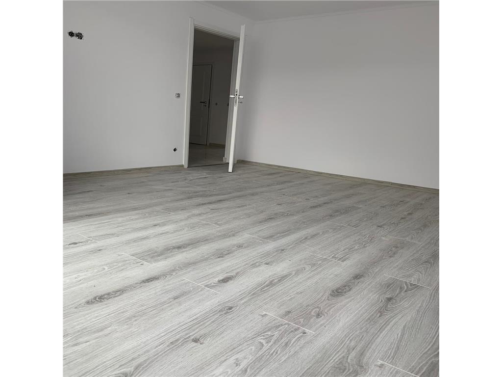 Apartament 4 camere,87 mp,decomandat,2 bai,boxa,Comision 0