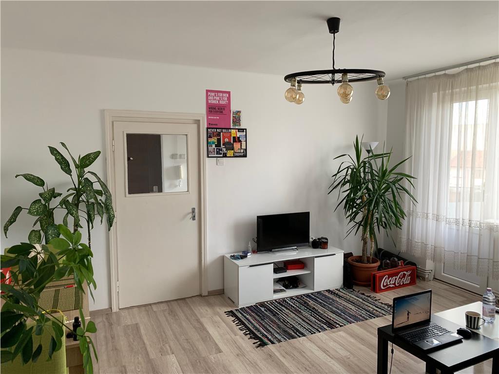 2 camere,complet renovat,zona cinema F.Piersic,mobilat,parcare