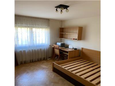 2 camere,Luis Pasteur,decomandat,garaj,etaj intermediar