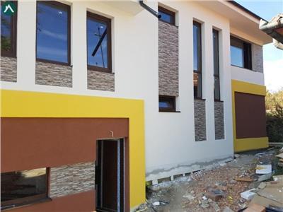 Casa tips duplex, Dambul Rotund, zona Lidl cu garaj