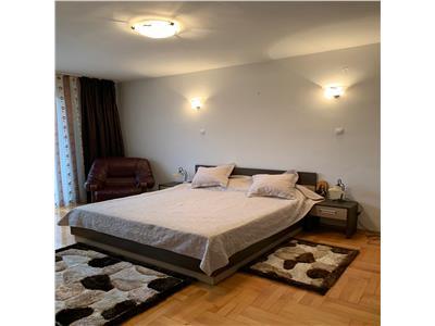 Casa 8 dormitoare,500 mp, 3 bai, garaj,P+1+M,Zona Cetatuie,mobilata