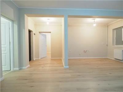 Apartament 2 camere, finisat, 58mp, zona VIVO, parcare supraterana