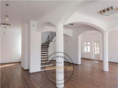 Casa D+P+E,330 mp,Pretabil birou/showroom ,parcari in curte,terasa
