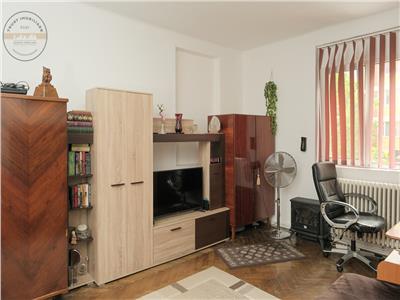 Apartament 3 camere, str. Horea, garaj