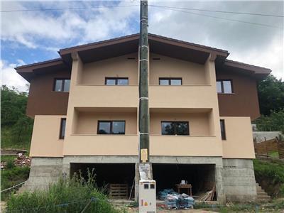 Duplex 165mp, semifinisat, utilitati racordate, Sat Tauti