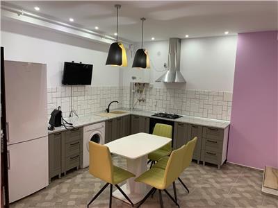 Casa la curte comuna, 81mp, 4 camere, superfinisat, strada Craiova