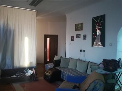 Apartament zona Centrala ,150 de mp ,balcon
