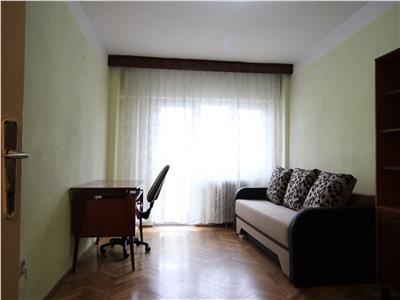 3 camere,3 balcoane, 70 MP,FSEGA,etaj intermediar