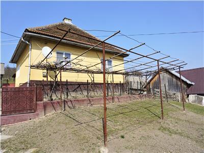 Casa si teren de vanzare Albestii Bistritei