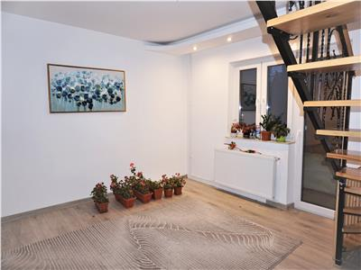 Apartament ultracentral 4 camere 99mp