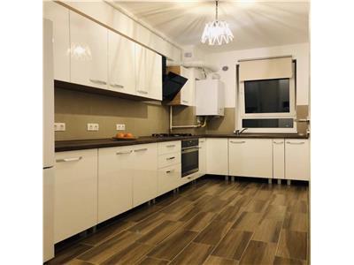 Apartament 2 camere,decomandat,loc de parcare