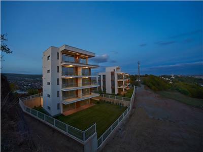 Apartament ,60 mp,superfinisat,Garaj subteran,gradina-250mp