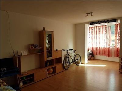 Apartament 1 camera, Floresti, 38mp, parcare.