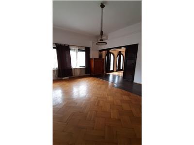Casa Str.Emil Racovita ,120 MP ,4 camere ,2 bai,parcare