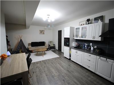 Apartament de vanzare, 3 camere, 71mp, parcare
