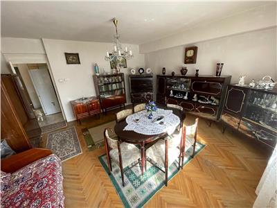3 camere Decomandat, 2 balcoane, N.Titulescu, etaj intermediar