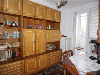 Apartament 3 camere semidecomandat,B-dul Decebal