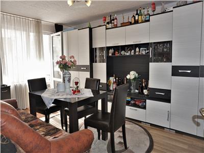 Apartament 4 camere, decomandat, etaj 3