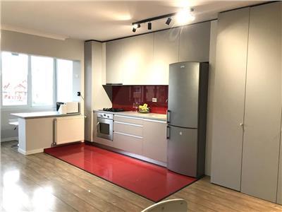 Apartament 2 camere, lux, parcare, str. Florilor