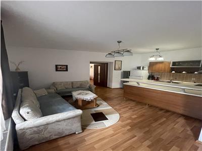 Apartament 3 camere,zona centrala,in casa