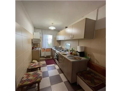 Apartament 2 camere, etaj intermediar, parcare, Manastur